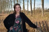 """Elke (26) is finaliste Miss Benelux Beauty: """"Er gaat weer een stukje van de wereld open"""""""