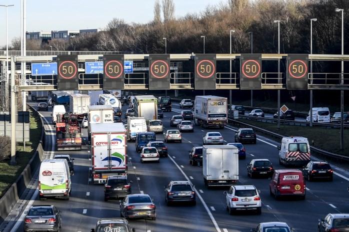 """Wouter Van Besien (Groen): """"Minder auto's, of Oosterweel wordt een maat voor niets"""""""