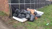 """Sluikstorters laten matrassen en zakken vol vuiligheid achter: """"Om te walgen"""""""