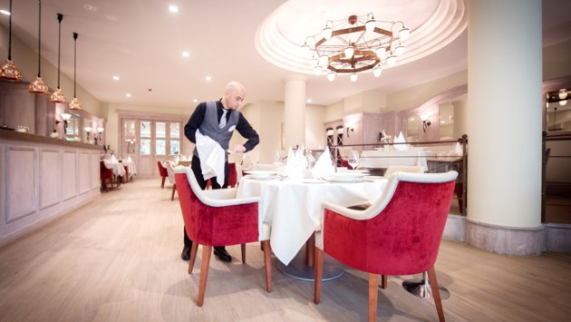 """Duurste én goedkoopste rusthuis liggen in stad Antwerpen: """"Bij ons zorgt een sterrenchef voor de maaltijden"""""""