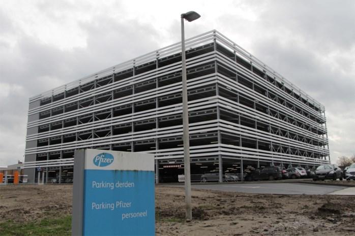 Pfizer neemt parkeertoren voor 800 wagens in gebruik