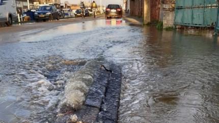 Breuk in waterleiding zet Hanswijkvaart stukje onder water