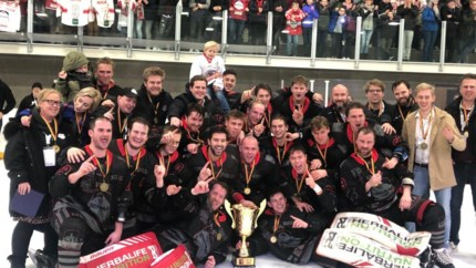 Herentalse ijshockeyclub HYC klopt Bulldogs Luik en pakt beker van België