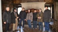 Honderden winterwandelaars ontdekken privé-kasteel