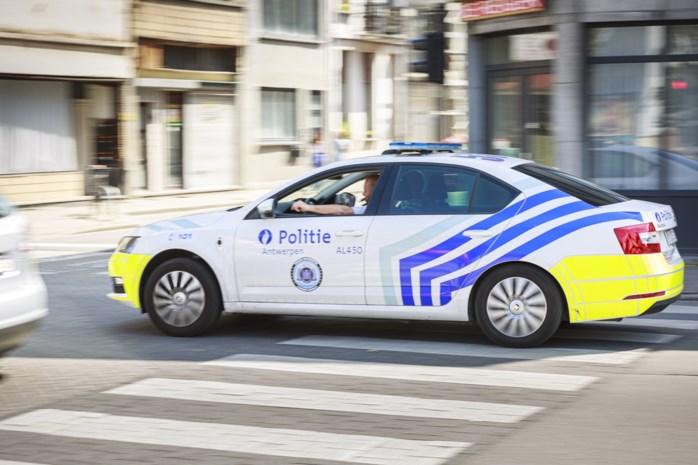 Chauffeur met rijverbod en onder invloed loopt tegen de lamp bij verkeersactie