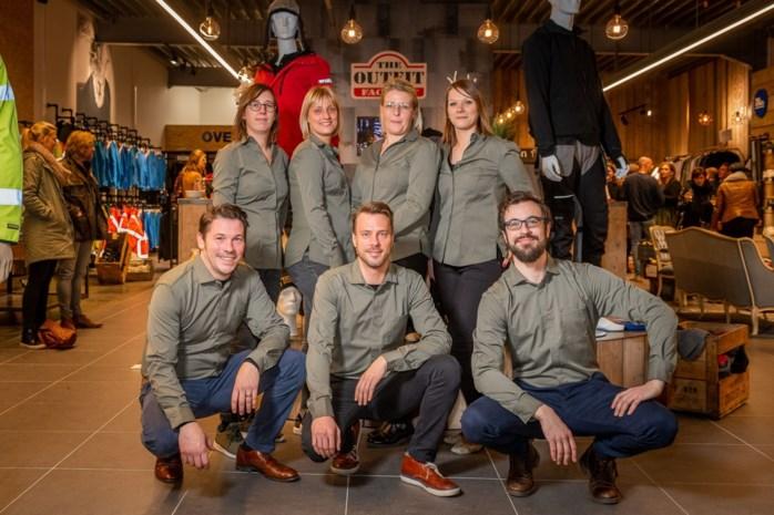 """Outfit Factory breidt uit: """"Stijlvolle werkkledij en beschermingsmiddelen voor de hele Antwerpse regio"""""""