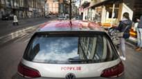 """15-jarigen met deelauto crashen tijdens achtervolging: """"Inspecteurs moesten opzij springen"""""""