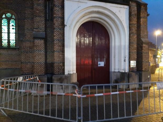 Herstelling van kerktoren laat op zich wachten