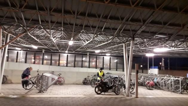 """Betalen voor parking station Noorderkempen: """"Eerst fietsenstalling uitbreiden"""""""