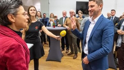 Burgemeester Peter Keymeulen runt ook nog vier verzekeringskantoren