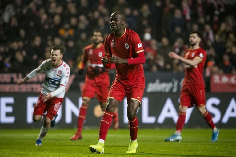 Didier Lamkel Zé doet het weer: penalty opeisen… en missen