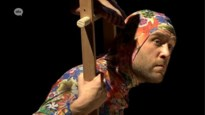 Theatervoorstelling over hoe mensen op dieren lijken