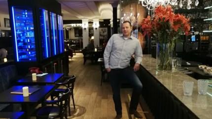 "Geelse brasserie vernieuwt interieur: ""Hoekjes en kantjes maken Flore knusser"""