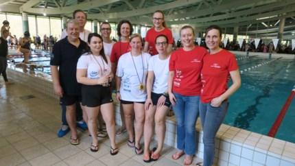 """Zwemclub Schoten ook na 45 jaar nog gedreven door het water: """"Onze zwemschool is een echte kweekvijver van talent"""""""