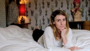 """Actrice Joke Sluydts verhuisde van Antwerpen naar Geel: """"Ik ben niet gemaakt voor de stad"""""""