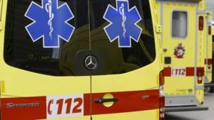 Man raakt zwaargewond nadat gsm in zijn broekzak is ontploft