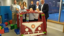 Sint-Ludgardis stuurt speelbusje pediatrie-afdeling binnen na succesvolle inzamelactie
