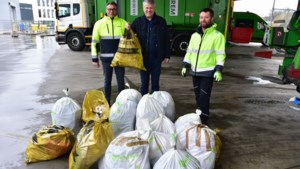 """Ophalers Ivarem luiden alarmbel voor overvolle en gevaarlijke huisvuilzakken: """"Fout aangeboden zakken blijven staan"""""""