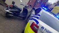 Politieman moet wegspringen voor vluchtende bromfietser