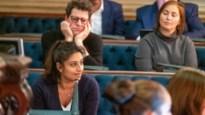 """Hoofddoekendiscussie Sint-Annacollege zindert na in gemeenteraad: """"School heeft inschattingsfout gemaakt"""""""