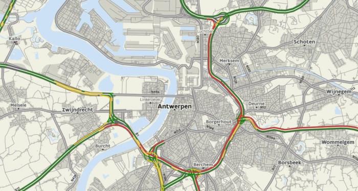 Anderhalf uur file op Antwerpse Ring door ongeval in Kennedytunnel