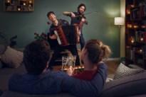 Violist uit Boom en accordeonist uit Wilrijk brengen Valentijnsconcert bij u thuis