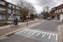 Prachtig nieuw fietspad in Ekeren, maar wie bedacht absurde situatie in begin van straat?