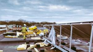 """Dakwerkers trommelen extra personeel op na storm: """"Al veertig opdrachten in één ochtend"""""""