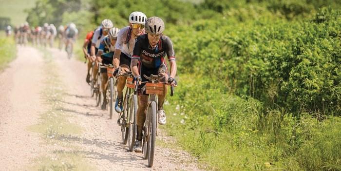 Stenen en zand, maar geen regels in 'Dirty Kanza 200' en 'Belgian Waffle Ride': de nieuwe klassiekers van het wielrennen