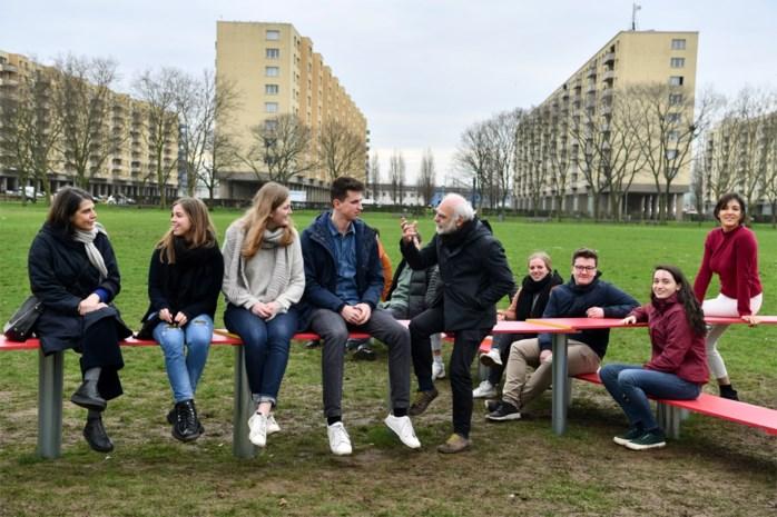 Studenten denken na over hoe Ringpark er tussen Luchtbal en Merksem uit kan zien