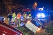Frontale botsing in Sinaai, brandweer bevrijdt twee personen uit voertuig