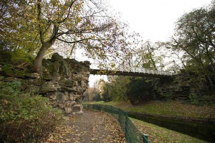 Restauratie brug Stadspark start maandag, inzamelactie voor rotspartijen nog geen succes