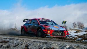 Neuville eindigt als zesde in Rally van Zweden en moet Evans naast zich dulden in de stand