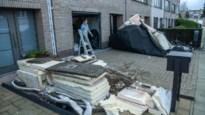 """Bewoners van door storm getroffen panden in Pauwstraat meten schade op: """"Het klonk als een kettingbotsing met zeven auto's"""""""
