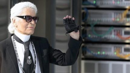 Een jaar geleden stierf Karl Lagerfeld, maar hij leeft meer dan ooit
