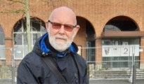 "Marc (75) volgt al 50 jaar elke gemeenteraad in Mortsel: ""Op televisie zie je geen toneel meer"""