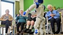 """Robot Zora doet monden openvallen in woonzorgcentrum: """"Ik dacht dat zoiets alleen in films kon"""""""