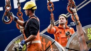 Antwerpse dokwerkers verslaan hun Rotterdamse collega's