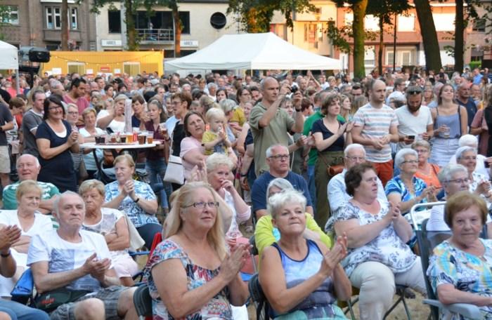 Stabroek Zingt neemt sabbatjaar door werken in Dorpsstraat