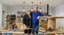 """Koppel start schoenwinkel in centrum van Nijlen: """"Als vijftigplussers zijn wij zeker niét te oud om te ondernemen"""""""