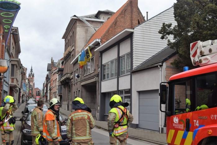 Gevolgen stormweer blijven duren: straat afgesloten door asbest