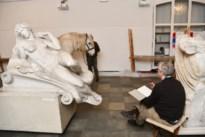 """Paarden en Crimi Clowns draven op voor tekenmarathon: """"Als je moe bent ga je op een heel andere manier tekenen"""""""