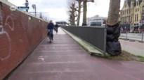 Vrouw heeft verwondingen in aangezicht na val op spekglad fietspad aan Berchem station
