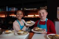 """Boomse Aëlla (11) te zien in nieuw kookprogramma op Studio 100 TV: """"Koken is best vermoeiend"""""""