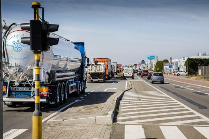 DISCUSSIE. Merk jij ook dat het veiliger en vlotter rijden is op de A12 dan een jaar geleden?