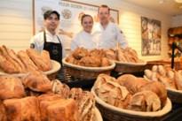 Bakker Eric Van Thillo pakt uit met internationaal desembrood: bakker uit Syrië, stagiaire uit Bonaire