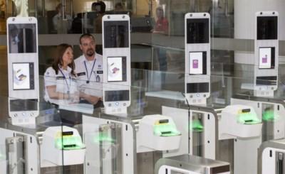 """Veelbesproken e-gates op luchthaven Zaventem verdwijnen: """"Die dingen waren een compleet fiasco"""""""