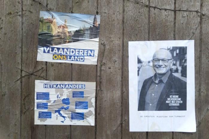 """Oudere man verspreidt haatberichten op affiche: """"De grootste klootzak van Turnhout"""""""