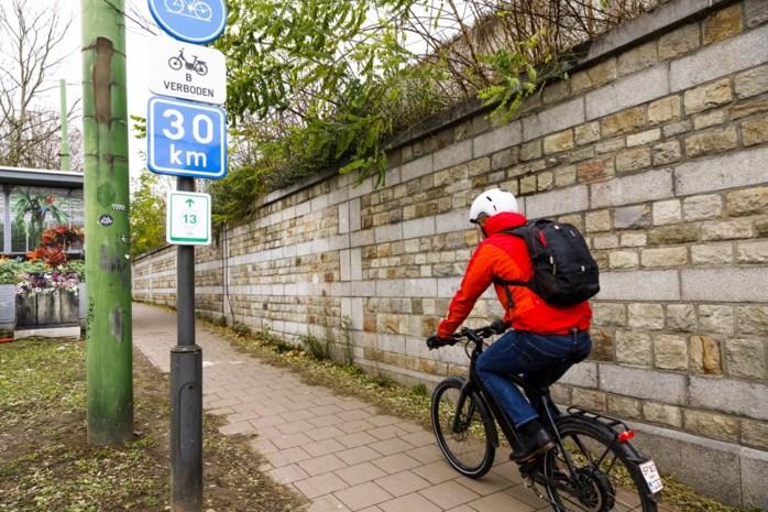DISCUSSIE. Lap jij de regels als fietser weleens aan je laars?