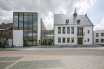 Gemeente geeft voorrang aan lokale kunst in gemeentehuis